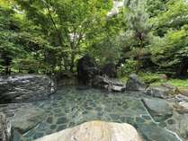 源泉かけ流しの露天風呂です。