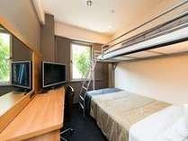 125cm幅のセミダブルベッドにロフトベッドのついたお部屋です。2014年10月9日~※写真はイメージです