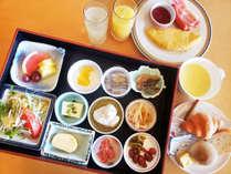 和食、洋食のメニューを定食スタイルでご提供しています。
