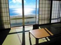 ■客室:窓からは相模湾を一望!オーシャンビュー♪