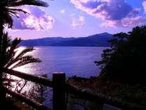 光り輝く海 日々変わる碧い海からの景色