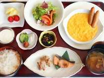 和洋定食 ※新型コロナウイルス感染拡大の防止策として、当面の間、朝食バイキングを中止しております。