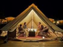 テント内でリラックス