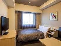 ビズコートセミダブルルーム 13.4平米 ベッドサイズ130×190