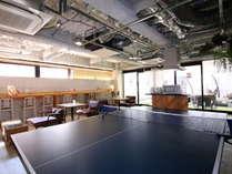 ■2階ゲストラウンジ/卓球台で遊んだり、様々な人との交流を愉しめる場です。