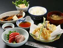 【ある日の夕食】日替わりの藤枝おふくろ定食!
