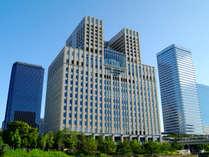 JR京橋駅西改札口、京阪京橋駅片町口改札から徒歩5分。