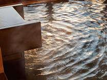 「空」WEST大浴場の露天風呂からは太平洋インフィニティービューが広がります。