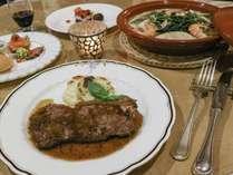 ★*【夕食一例】お肉料理をメインにした洋風料理を召し上がれ♪
