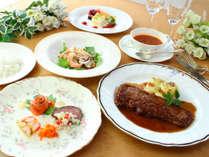 【1泊2食】グリーンシーズン限定価格:高原でお腹いっぱい洋食メニューを堪能♪【現金特価】