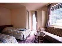■ツインルーム■エコノミーよりちょっとゆったりめのお部屋(標準洋室 例)