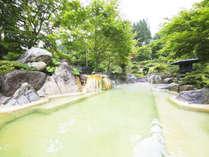 新緑の大露天風呂うぐいすの湯