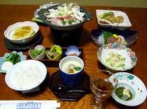 *山の恵みをふんだんに使用した和会席(料理一例)