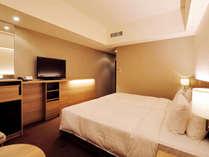 ハリウッドツイン(24.7㎡)ベッド2台を並べて設置したハリウッドツインです。