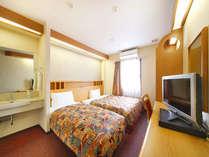 エキストラツイン【21平米】ベッド幅:150cm×1台、90cm×1台