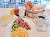 ご朝食。セットメニュー。