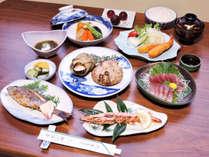 *【スタンダード夕食一例】海に囲まれた志摩らしいボリューム満点の磯料理