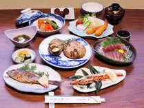 *【スタンダード夕食一例】旬の魚介類を様々なお料理でお召し上がりください