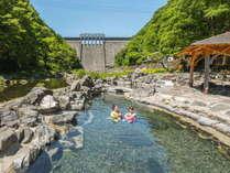 西日本最大級の外湯「砂湯」は絶景!かけ流し源泉