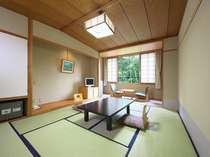 和室(10畳)5名様用の客室。足を伸ばしてゆっくりお寛ぎいただけますよ!
