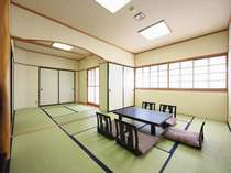 和室次の間付(8畳+6畳)7名様までお泊りいただけるお部屋です。