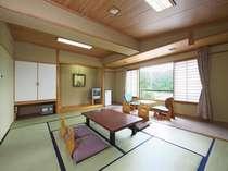 和室(12畳)6名様までお泊りいただける広い客室です。
