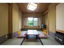 和室(6畳)1~2名様用客室です。1人旅には最適な客室ですよ。