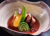 四季折々のお料理を料亭木草弥にてお楽しみください。