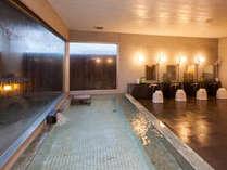 男性大浴場(2階)ご利用時間16:00~24:00、6:00~9:00