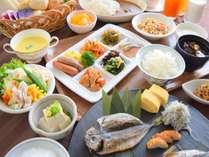 朝食/新鮮な地元の食材と合わせてお楽しみいただける和食やこだわりの洋食が人気!