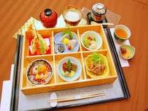 【2食付き】牛焼肉・お造り・天婦羅・焼魚にご飯は仁多米!品数も豊富にバラエティ♪「松花堂」プラン