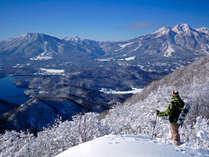 斑尾山から望む雄大な景色