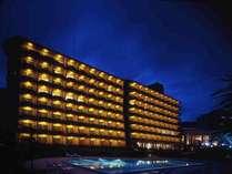 ご宿泊の方は、伊豆今井浜東急リゾート内の温泉大浴場・プール・レストランなどがご利用いただけます。