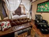 ■客室:デラックスキングベッド/32平米/180cmキングサイズ【ジェットバス付き/バスルームTV】