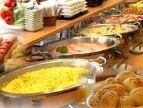 朝食バイキング 30種類以上でお好きな物をお好きなだけお選び頂けます