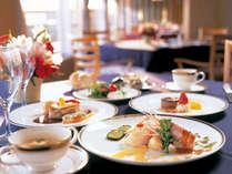 海の見えるレストランリヴァージュでお料理をお楽しみください♪