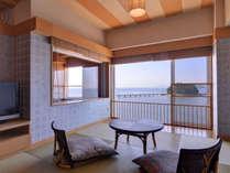 *スカイビュー(客室一例)/夕暮れに、頬を撫でる潮風を感じながら、まったり寛ぐ休日の贅沢。
