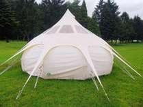 広々テントで優雅な滞在を。