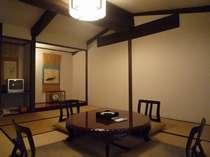 2階建て蔵造りメゾネット客室 趣きある和室