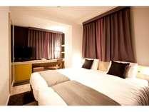 【エコノミーツイン】シモンズ社製のベッドで快適睡眠広さ約17平米