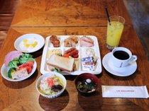 【朝食ブッフェ盛り付け例】