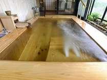 ピグマリオン特別室(和室12.5畳+次の間6畳)、ジェットバス付露天風呂(一例)