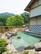 宿泊者専用大浴場「ガラティア」の露天風呂(女性用)の一例