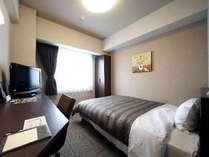 ☆140cm幅のベッド☆のセミダブルルーム♪全室Wi-Fiおよび加湿空気清浄完備♪