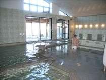 広々とした大浴場 5種類もの浴槽が癒してくれます