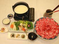 黒豚しゃぶ豆乳鍋。鹿児島と言えばやっぱり黒豚ですね♪