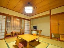 ゆっくりお過ごしいただける和室。畳でゴロゴロ♪お子様連れの方に人気です!