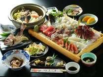 夕食の一例です。※5~6名様分のお料理イメージになります。
