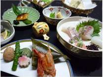 瀬戸内の新鮮な魚介や、季節を感じる旬の素材を使用した会席料理(一例)