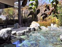 *男性用露天風呂。不動温泉に入れるのは、佐和屋だけ!入浴時間:6時~23時